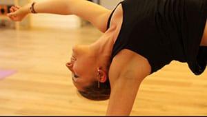 Professeur de Yoga lors d'un cours