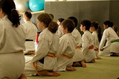 Position Seiza au début du cours