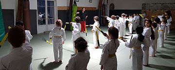 Cours de nunchaku pour enfant